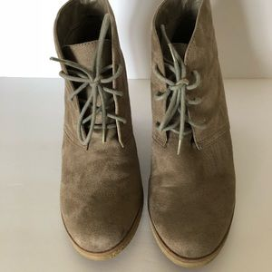 Urban outfitter lace up boot